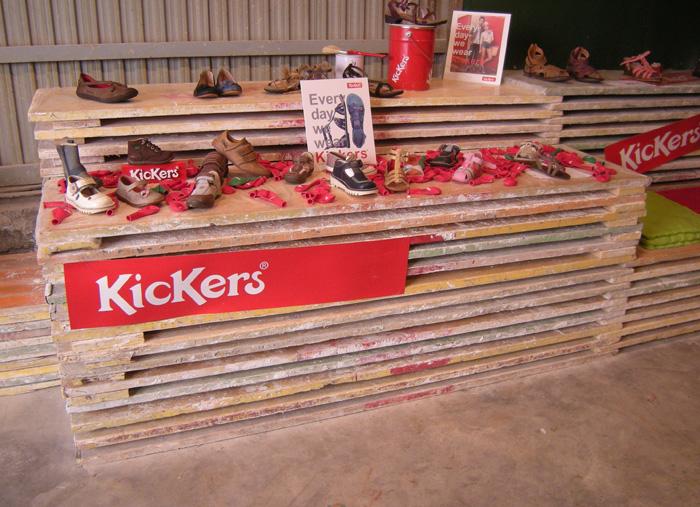 REC05 - Ejemplo decoración tienda Kickers