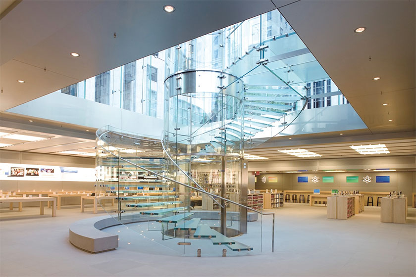 Interior de la flagship store d'Apple a Nova York