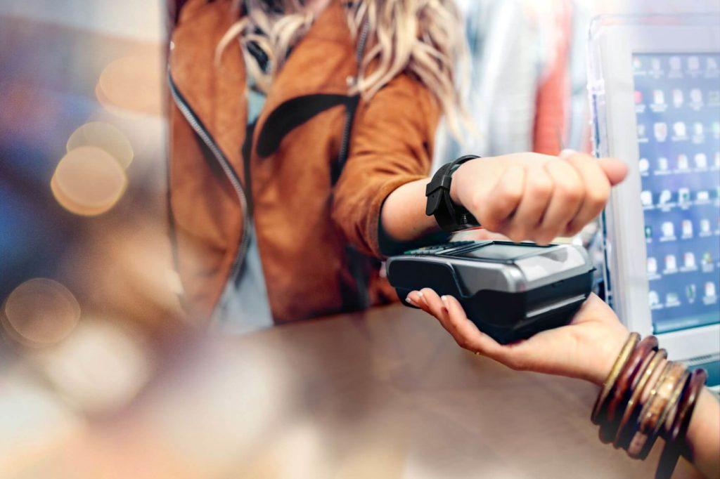 Uso de tecnología RFID en tienda phygital